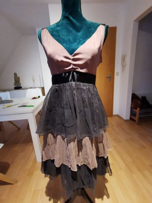 Schönes cocktail Kleid aus Seide