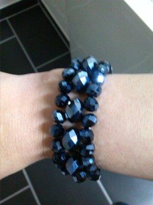 Schönes dunkelblaues Armband