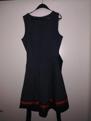 Schönes elegantes Kleid aus Italien, nur einmal getragen!