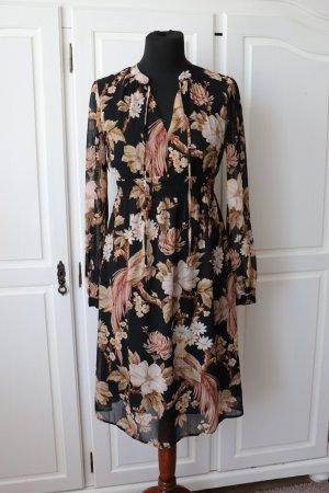 Schönes florales Blumen Kleid aus der H&M Mama Kollektion Größe 36 mit langen Arm
