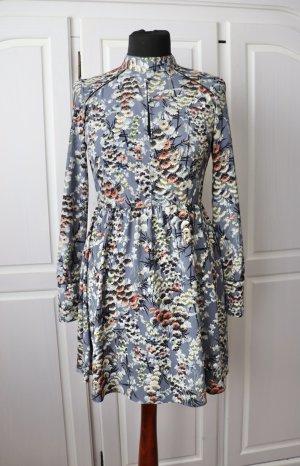 Schönes florales Blumen Kleid von Zara Größe S 36 mit langen Ärmeln und Stehkragen