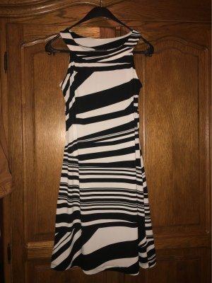 Yessica Robe stretch blanc-noir