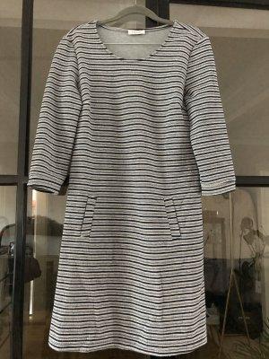Schönes gestreiftes Kleid von Klaus Dilkrath.