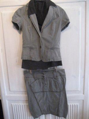 Schönes Jeanskostümchen von Sisley