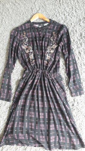 Schönes, kariertes Kleid von Vive Maria