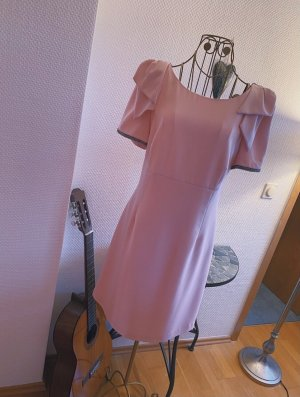 Schönes Kleid aus Spanien