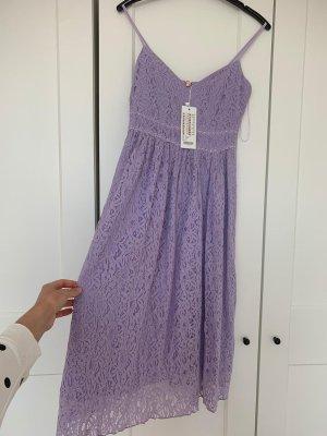 Sukienka z rękawem balonowym jasny fiolet