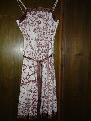 schönes Kleid für alle Anlässe