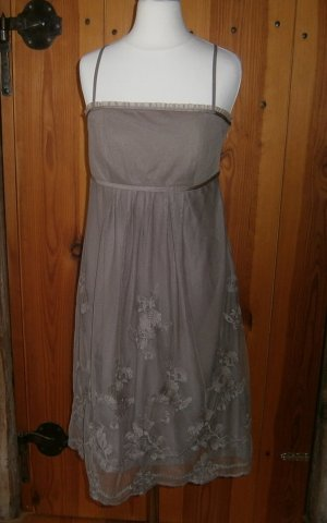 Schönes Kleid für den besonderen Anlass * Größe M