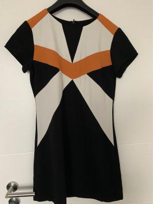 Schönes Kleid für jeden Anlass