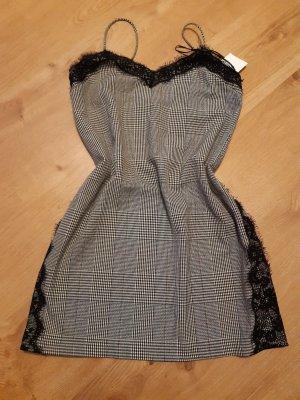 Schönes Kleid Gr. S/36 Zara Spitze