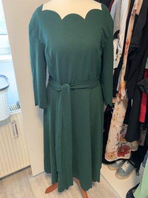 Schönes Kleid in der Größe 38