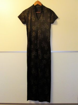 Schönes Kleid, lang, asiatischer Stil mit Drachenmotiv, GR 40
