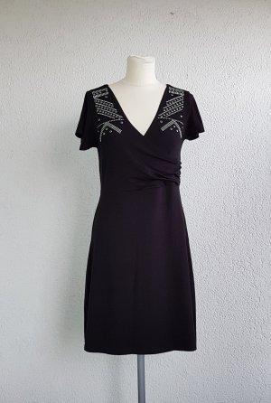schönes Kleid mit Details