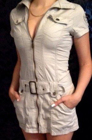 Schönes Kleid mit Gürtel In Gr. XS
