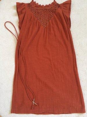 Schönes Kleid mit Spitze von Suncoo *neuwertig*