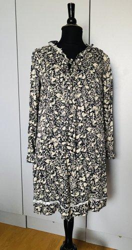 0039 Italy Sukienka midi w kolorze białej wełny-ciemnoniebieski
