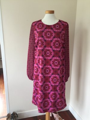 Schönes Kleid von Basler in rot rosa Tönen