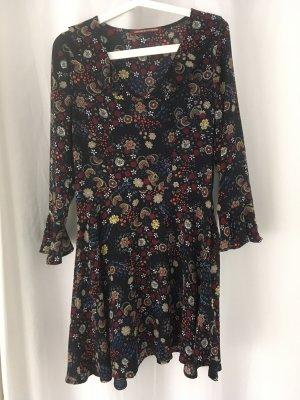Schönes Kleid von Comptoir