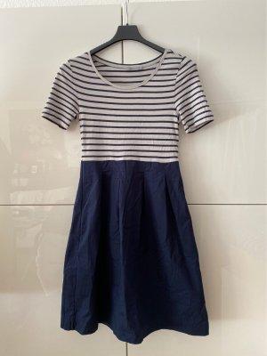 COS Sukienka z krótkim rękawem jasnoszary-ciemnoniebieski Bawełna