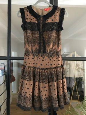 Schönes Kleid von Derhy mit tollen Details.
