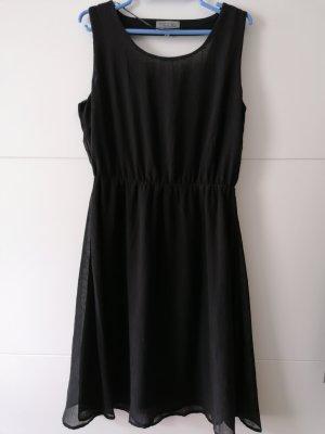 schönes Kleid Von Fresh Made, Rücken offen