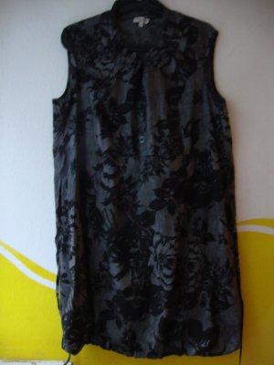 Schönes Kleid von Gina Laura