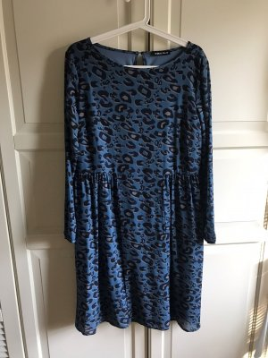 schönes Kleid von Miss Via Gr. 40