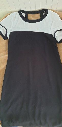 Schönes Kleid von Oasis