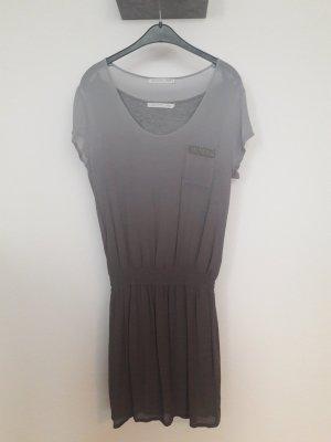 Schönes Kleid von YAYA