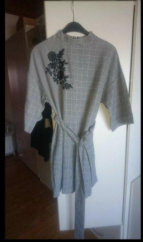 Schönes Kleid von Zara
