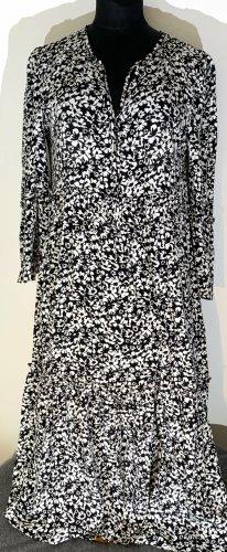 Schönes Kleid von Zara Gr.M