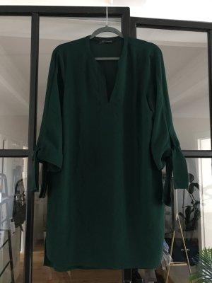 Schönes Kleid von Zara Woman.