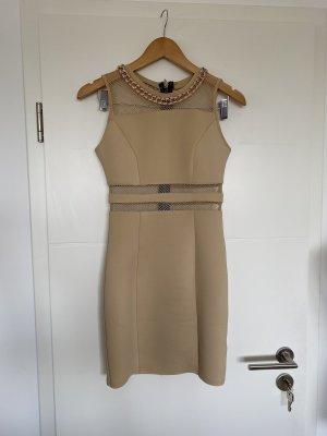 schönes körperbetont und elegantes Kleid