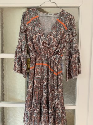 Schönes kurzes Kleid  - sommerlich perfekt