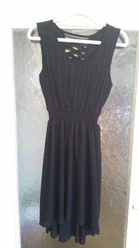 Schönes kurzes Kleid von Molly Bracken.