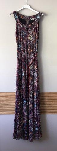 Schönes langes Kleid von comma