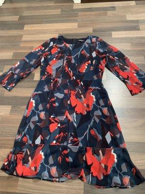 Schönes More&More Kleid