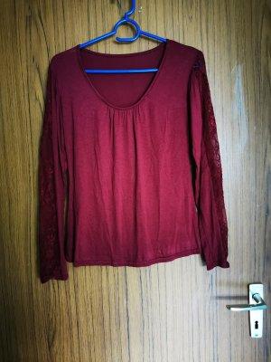 schönes rotes Sweatshirt
