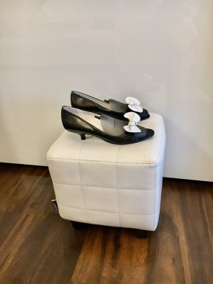 CFL Pointed Toe Pumps black-white