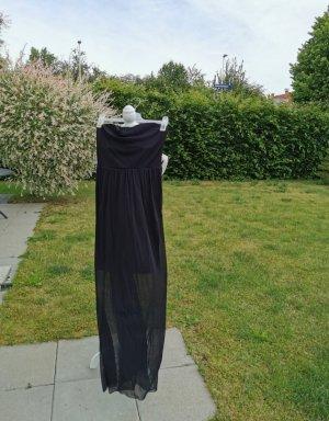 Schönes schwarzes Abendkleid