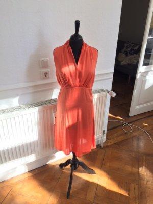Schönes Seidenkleid in Orange