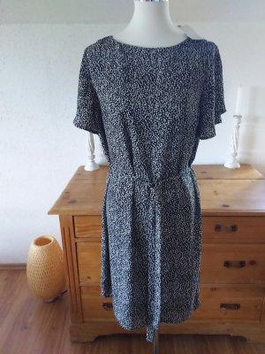 Schönes Sommerkleid,Größe M,neu mit Etikett.