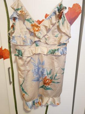 Schönes Sommerkleid mit Blumen & Volants