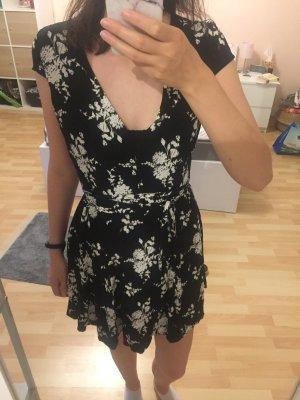 Schönes Sommerkleid mit Blumenmuster Gr. 36