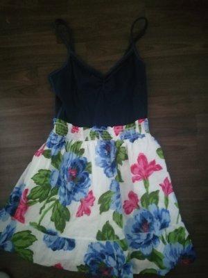 Schönes Sommerkleid von Hollister