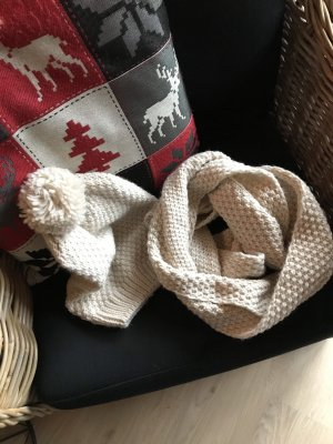 Hilltop Knitted Scarf natural white