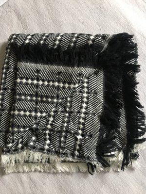 Schönes Tuch - großer Schal 140x140 cm *wie neu*