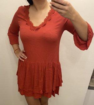 Reserved Sukienka z baskinką ciemnoczerwony