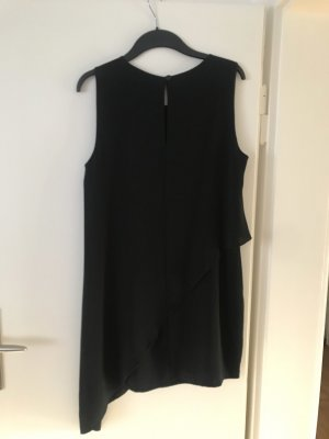 Schräg geschnittenes sehr schickes Kleid aus Italien